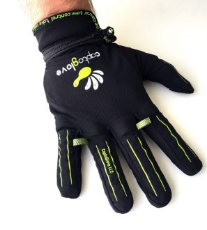 CaptoGlove the world's first wireless wearable controller for gaming and smart devices